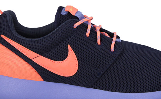 WOMEN'S SHOES NIKE ROSHE ONE (GS) 599729 408